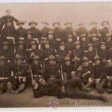 Postales: ANTIGUA POSTAL MAHON CIA ARTILLEROS CON UNIFORME EXPEDICIONARIO 3ª BATERIA 1927 29. Lote 34154590