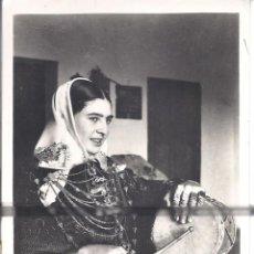 Postales: PS4216 IBIZA 'PAYESA CON EL TRAJE TÍPICO ACTUAL'. FOTO VIÑETS. CIRCULADA EN 1954. Lote 98513220