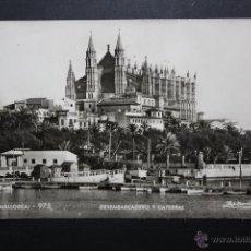 Postales: ANTIGUA FOTO POSTAL DE PALMA DE MALLORCA. DESEMBARCADERO Y CATEDRAL. FOT. ZERKOWITZ. CIRCULADA. Lote 45513325