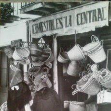 Postales: POSTAL DE IBIZA (BALEARES) CIUDAD, TIENDA TIPICA, COMESTIBLES LA CENTRAL, EDITOR CASA PLANAS. Lote 52583261