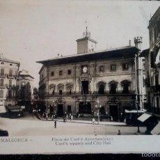 Postales: ANTIGUA POSTAL , PALMA DE MALLORCA, PLAZA DE CORT Y AYUNTAMIENTO, FOTO GUILERA. Lote 56879367