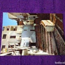 Postales: CALLE TÍPICA DE IBIZA - ISLA BLANCA - ESCUDO DE ORO Nº 38 - SUBI - FISA - PERSONAS ESCALERAS RINCÓN. Lote 64003207