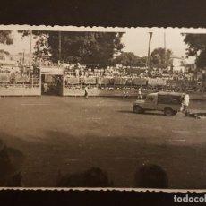 Postales: ANDRATX MALLORCA PLAZA DE TOROS PORTATIL RETIRADA DEL TORO CON LAND ROVER. Lote 140695074