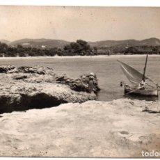 Postales: PS8196 IBIZA - SANTA EULALIA - PLAYA DES CANÁ. FOTOGRÁFICA. VIÑETS. CIRCULADA. 1955. Lote 170684880