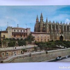 Postales: PALMA DE MALLORCA. POSTAL SERIE II, NO.3475. CATEDRAL Y PALACIO DE LA ALMUDAINA. EDITA: A. CAMPAÑA... Lote 174026955
