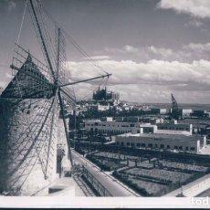 Postales: POSTAL FOTOGRAFICA RINCONES TIPICOS DE PALMA - MALLORCA - MOLINO - AL FONDO CATEDRAL - CIRCULADA . Lote 178117334