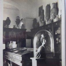 Postales: P-9584. IBIZA (BALEARES). INTERIOR DEL MUSEO ARQUEOLÓGICO. FOTO VIÑETS. PRINCIPIOS DEL SIGLO XX.. Lote 182046691