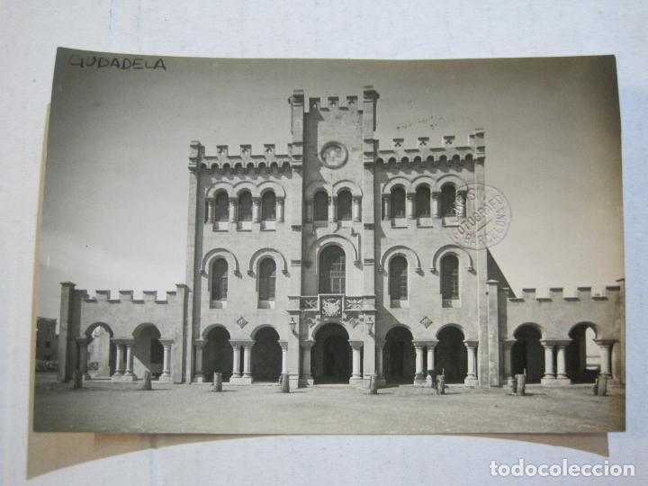 CIUDADELA-CASAS CONSISTORIALES-ARCHIVO ROISIN-FOTOGRAFICA-POSTAL ANTIGUA-(72.804) (Postales - España - Baleares Antigua (hasta 1939))