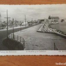 Postales: POSTAL. EL MUELLE Y LA CATEDRAL. PALMA DE MALLORCA.. Lote 228027015
