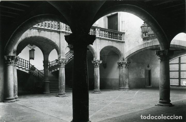 PALMA DE MALLORCA. PATIO CASA VIVOT. SIN CIRCULAR. ED. FOTO TRUYOL (Postales - España - Baleares Moderna (desde 1.940))