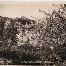 Postales: BA0829 MALLORCA DEIA LA VILLA CON ALMENDROS EN FLOR ZERKOWITZ Nº642 FOTOGRAFICA. Lote 289478338