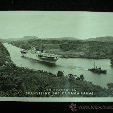 Postales: TARJETA POSTAL. USS SHANGRI-LA. TRANSITING THE PANAMA CANAL. AÑOS 50.. Lote 19247057