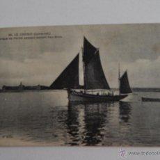 Postales: LE CROISIC: BARQUE DE PÊCHE PASSANT DEVANT PEN-BRON. Lote 48551927