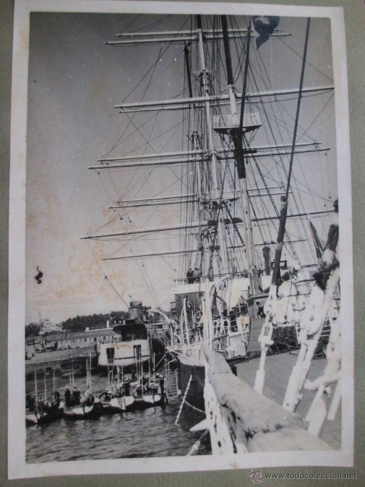FOTOGRAFIA BUQUES ESCUELA GALATEA Y JUAN SEBASTIAN ELCANO - APROX 1945/50 EN ARSENAL FERROL + INFO (Postales - Postales Temáticas - Barcos)