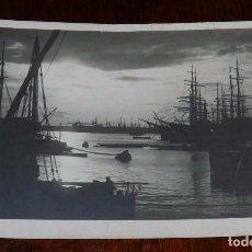Postales: FOTO POSTAL DE PUERTO AL ANOCHECER, ED. ELIOS, GENOVA, NO CIRCULADA.. Lote 100046171