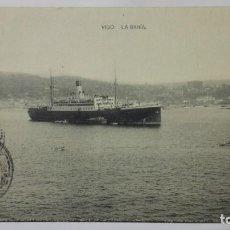 Postales: POSTAL TRANSATLANTICO, BAHIA DE VIGO, HAUSER Y MENET, AÑOS 40, CIRCULADA. Lote 159859910