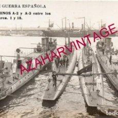 Postales: POSTAL DE MARINA DE GUERRA ESPAÑOLA, FOTOGRAFICA, SUBMARINOS A-2 Y A-3, ENTRE LOS TORPEDEROS NUMERO . Lote 169177620