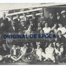 Postales: (PS-66372)POSTAL FOTOGRAFICA PASAJEROS DEL BARCO TOM ASO DI SAVOLA. Lote 290053293