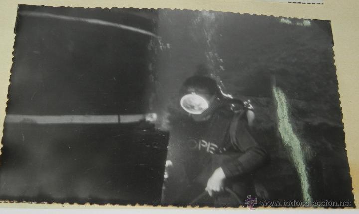 FOTOGRAFIA DE HOMBRE RANA EN LA FIJACION DEL DUQUE DE ALBA, OBRAS DEL MUELLE DE LA REFINERIA CEPSA, (Postales - España - Canarias Antigua (hasta 1939))