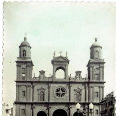 Postales: PS4983 LAS PALMAS DE GRAN CANARIA 'LA CATEDRAL'. ED. L. MONTAÑÉS. CIRCULADA. Lote 45863182