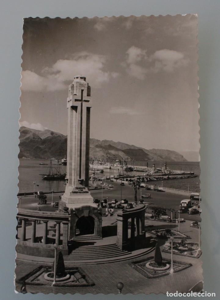 ANTIGUA POSTAL SANTA CRUZ DE TENERIFE MONUMENTO A LOS CAIDOS MUELLE SUR – AÑOS 60 - CIRCULADA (Postales - España - Canarias Moderna (desde 1940))