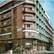 Postales: GRAN CANARIA HOTEL ASTORIA Y CALLE FERNANDO GUARARTENE. Lote 116074307