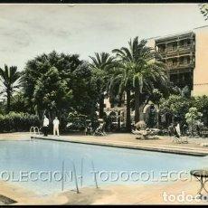 Postales: POSTAL LAS PALMAS DE GRAN CANARIA PISCINA HOTEL SANTA CATALINA . DOMINGUEZ / CEBOLLER / FISA 1950 . Lote 124215139
