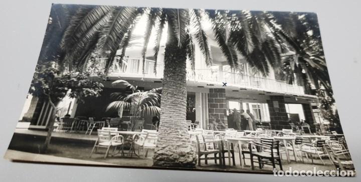 POSTAL FOTOGRÁFICA ANTIGUA CANARIAS. TENERIFE. PUERTO DE LA CRUZ. FOTO FREGEL. ESCRITA. (Postales - España - Canarias Moderna (desde 1940))