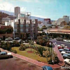 Postales: PUERTO DE LA CRUZ PLAZA DE SAN TELMO 1965 ESCUDO DE ORO Nº70 COCHES. Lote 156730246
