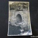 Postales: VILLA DE VALVERDE EL HIERRO PUENTE EN CAMINO VECINAL ERESE GUARASOCA FOTOGRAFIA TAMAÑO POSTAL 1943. Lote 165771974