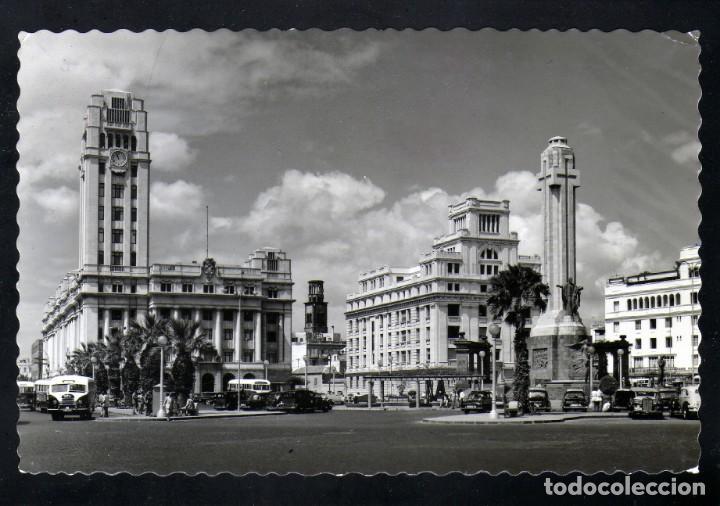 POSTAL FOTOGRAFICA DE STA.CRUZ DE TENERIFE PZA. ESPAÑA AÑOS 50 CURIOSO MATASELLOS AEREO (Postales - España - Canarias Moderna (desde 1940))