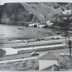 Postales: FOTOGRAFIA GIGANTE AEREA DE UN PUERTO DE LAS ISLAS CANARIAS A IDENTIFICAR, MIDE 36,5 X 29,5 CMS. FOT. Lote 178659385