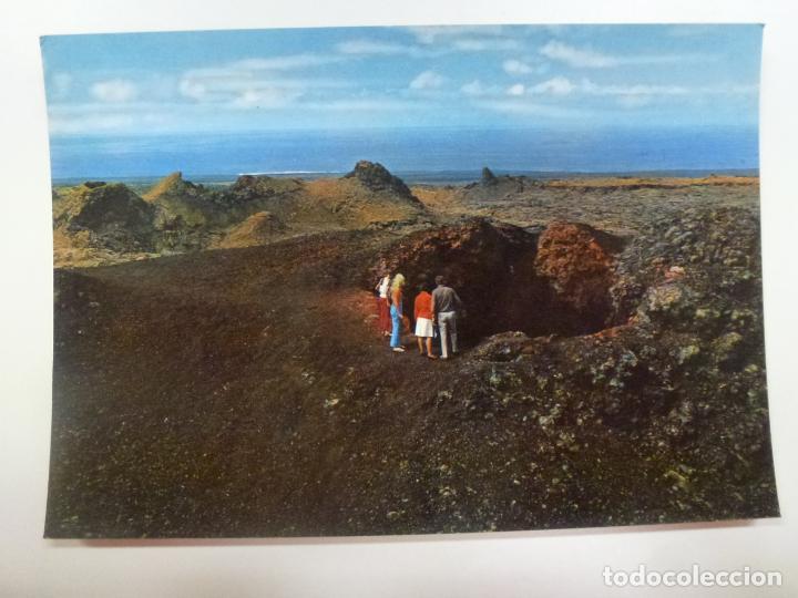 POSTAL. 2587. LANZAROTE. LA ISLA DE LOS VOLCANES. CRÁTERES VOLCÁNICOS. COLECCIÓN LAS AFORTUNADAS. (Postales - España - Canarias Moderna (desde 1940))