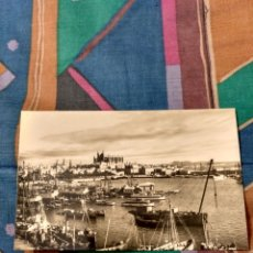 Postales: PALMA MALLORCA VISTA GENERAL FONDO CATEDRAL. Lote 230280925
