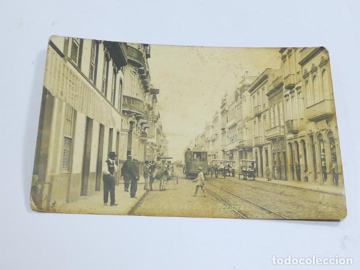 TARJETA POSTAL. FOTOGRAFICA. LAS PALMAS. CALLE TRIANA. Nº 2. F.B. (Postales - España - Canarias Antigua (hasta 1939))