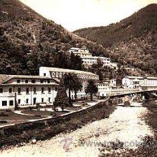 Postales: POSTAL DE SANTANDER CALDAS DE BESAYA Nº7 VISTA GENERAL CON EL BALNEARIO Y SUS HOTELES. Lote 11000736