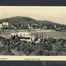 Postales: POSTAL DE CASTRO URDIALES (CANTABRIA): LA PLAYA Y HOTEL MIRAMAR (ED.MANIPEL NUM.142205). Lote 14596529