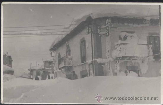 REINOSA (CANTABRIA).- POSTAL FOTOGRÁFICA DE UNA NEVADA (Postales - España - Cantabria Moderna (desde 1.940))