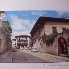 Postales: SANTILLANA DEL MAR. CALLE DE SANTO DOMINGO. CIRCULADA 1970. POSTAL 45. Lote 30759187