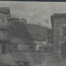 Postales: FOTOGRAFÍA DE CABEZÓN DE LA SAL (CANTABRIA).-PLAZA DE D. MIGUEL PÉREZ ALONSO. Lote 34639587