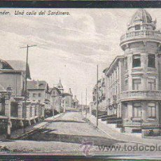 Postales: TARJETA POSTAL DE SANTANDER - UNA CALLE DEL SARDINERO. EDICION J.PALACIOS. NEN. Lote 36708711