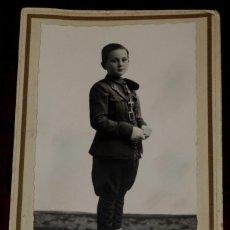 Postales: FOTOGRAFIA DE NIÑO CON UNIFORME MILITAR 1938, PLENA GUERRA CIVIL, PRIMERA COMUNION, FOTO A. REDON DE. Lote 40897810