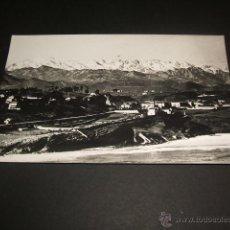Postales: COMILLAS CANTABRIA VISTA CON LOS PICOS DE EUROPA. Lote 45446658