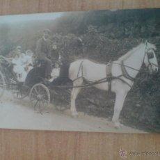 Postales: POSTAL SANTANDER CARRO CON CABALLO Y GENTE DE ÉPOCA. S. RIANCHO, FOTOGRAFO (VER IMÁGEN ADICIONAL). Lote 55045620