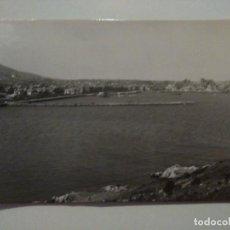 Postales: FOTO POSTAL DE CASTRO URDIALES Nº 72. PANORÁMICA DEL PUERTO Y LA CIUDAD. ED. ALARDE. SIN CIRCULAR.. Lote 71632931
