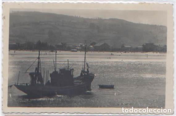POSTAL LAREDO VISTA PARCIAL DE LA PLAYA BARCO PESQUERO ED. ARRIBAS N° 149 (Postales - España - Cantabria Moderna (desde 1.940))