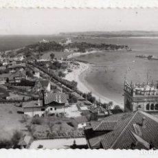 Postales: SANTANDER. PLAYA Y PALACIO DE LA MAGDALENA. FRANQUEADA EN 1962.. Lote 90836320