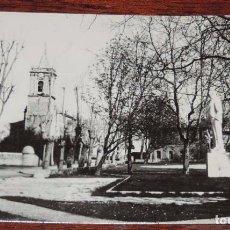 Postales: FOTO POSTAL DE NOJA. CANTABRIA, PLAZA DE LA VILLA Y ESTATUA DE DON PABLO GARNICA. CIRCULADA.. Lote 92893550