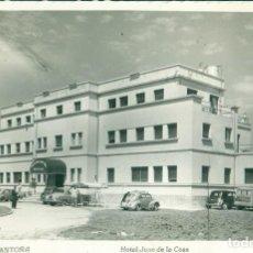 Postales: CANTABRIA. HOTEL JUAN DE LA COSA.CIRCULADA EN 1953.. Lote 124533627