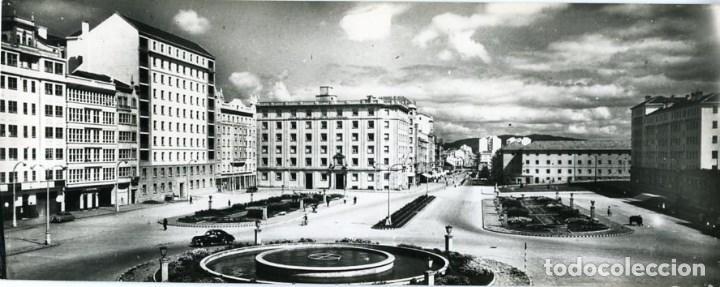 EL FERROL (CORUÑA). PLAZA DE ESPAÑA. POSTAL SUPERPANORÁMICA TAMAÑO 9X23 CM APROX....... (Postales - España - Cantabria Moderna (desde 1.940))